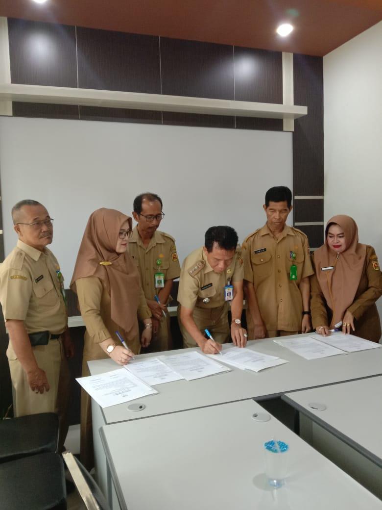 Penandatanganan Perjanjian Kinerja (PK) oleh Camat Banjarbaru Utara, Lurah & Kasi se Kecamatan Banjarbaru Utara