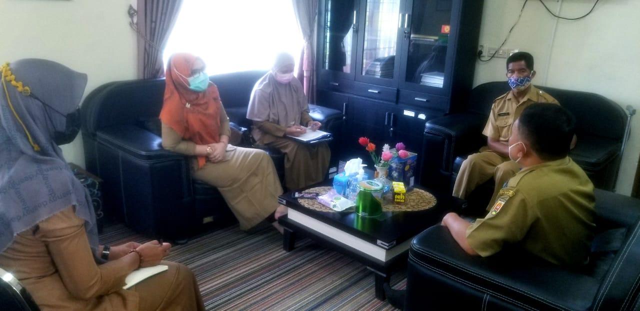 Rapat internal seluruh kepala seksi Kecamatan Banjarbaru Utara